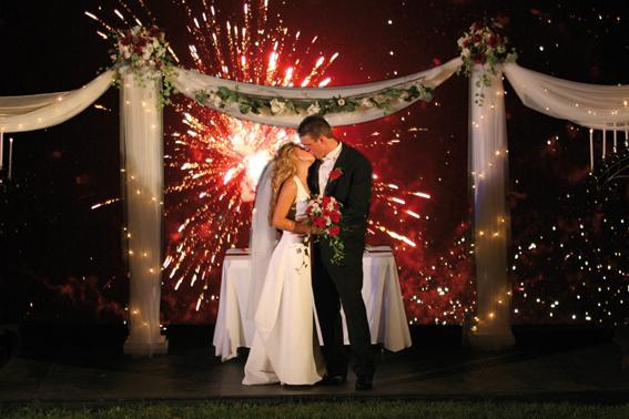 La magia dei fuochi dartificio per il giorno del vostro matrimonio